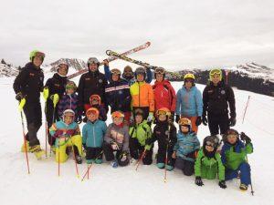 Die Trainingsgruppe am Wochenende vor Weihnachten am Pass Thurn